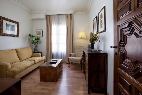 Hesperia Granada: JUNIOR SUITE
