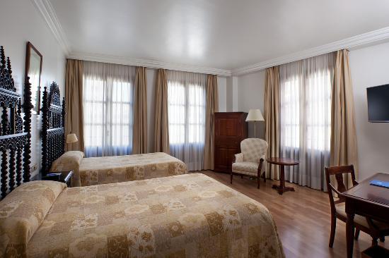 Hesperia Granada: HAB. SUPERIOR