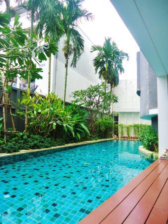 U-Place: pool