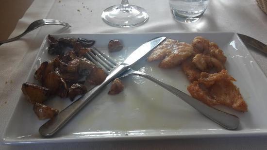 Piatto Di Pollo E Patate Si Commenta Da Solo Picture Of