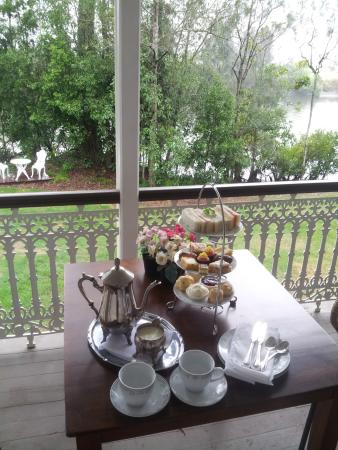 Bli Bli House Luxury Bed and Breakfast: high tea