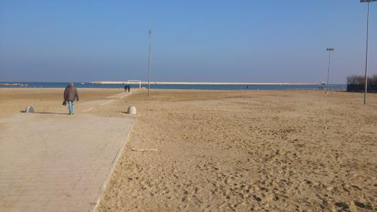Province of Pescara, Italia: accesso al mare per i disabili