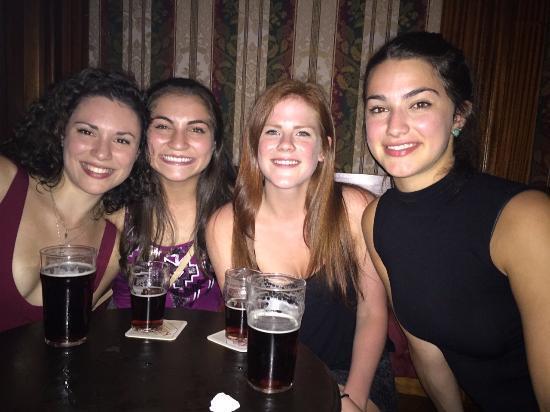 Kikuya Pub : Smiling with Dragoons and a very drunk Jenna :)