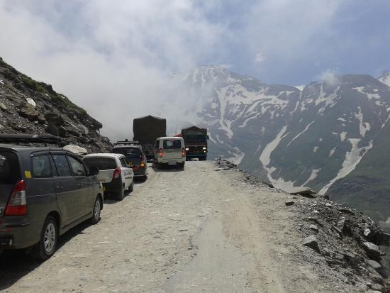 how to visit rohtang pass from manali