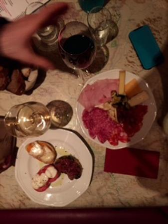Pub Klemo : Appetizers and wine