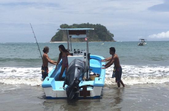 Camaronal, Costa Rica : Tata surfo