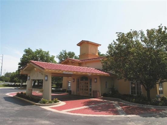Photo of La Quinta Inn Kansas City Lenexa