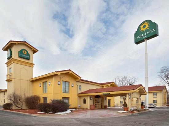La Quinta Inn Omaha West: Exterior