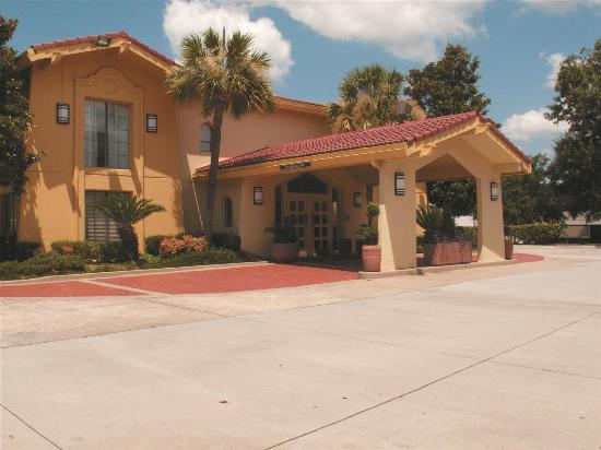 Photo of Quality Inn & Suites North Charleston
