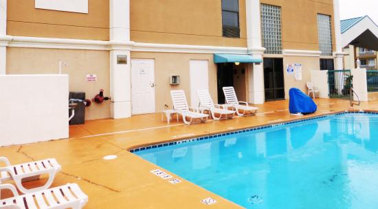 Red Roof Inn & Suites Newnan: Pool