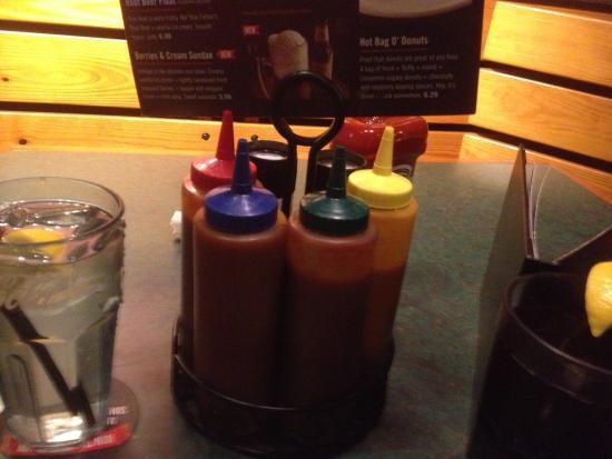 Liverpool, NY: Smokey Bones - BBQ sauces