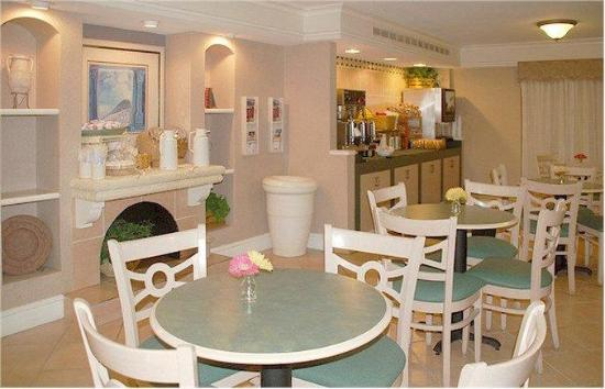 La Quinta Inn Fort Myers Central: Breakfast Area