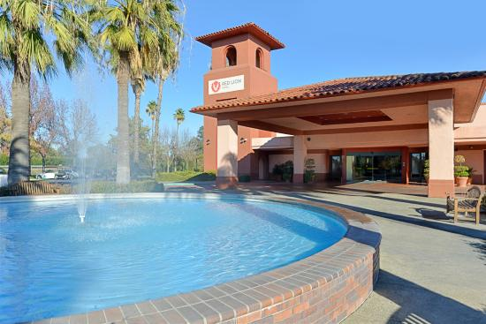 Red Lion Hotel Woodlake - Sacramento