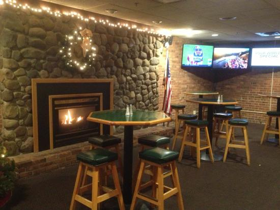 Finn's Tap Room and Party House : Mickey Finn's - fireplace in bar area