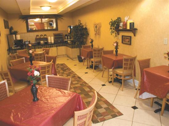 Country Inn & Suites by Radisson, Kennesaw, GA: Breakfast Area