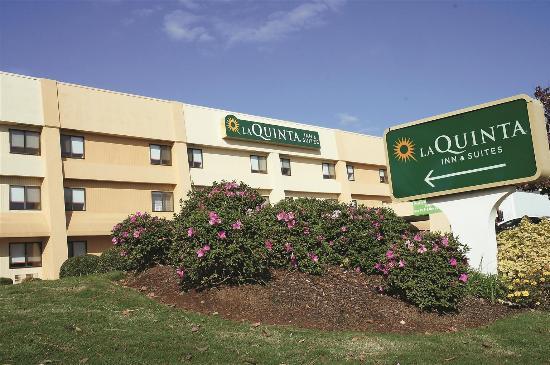 La Quinta Inn & Suites Huntsville Madison Square: Exterior view