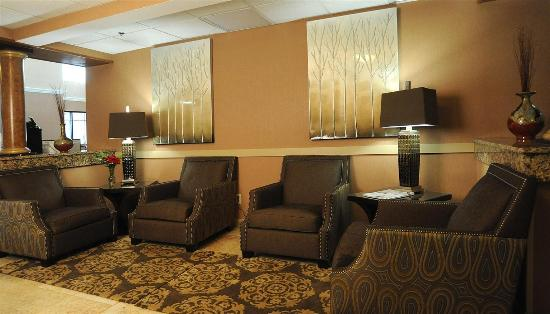 La Quinta Inn & Suites Springfield South: Lobby