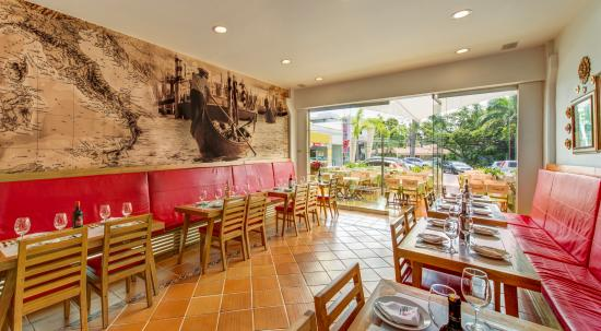 Sede cc palmas mall picture of restaurante tortelli for Bares ciudad jardin cali