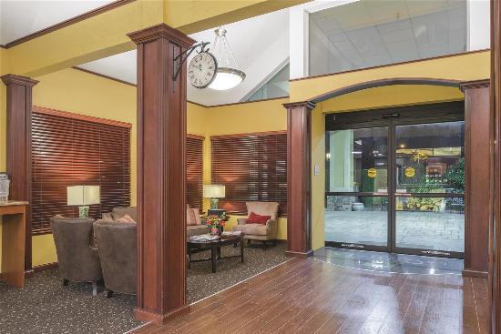 Wilsonville, OR: Lobby