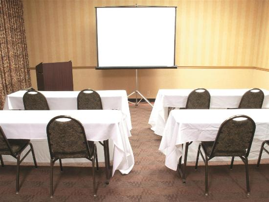 La Quinta Inn & Suites Elmsford: Meeting room