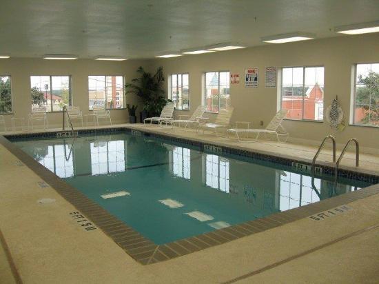 La Quinta Inn & Suites San Antonio North Stone Oak: Pool
