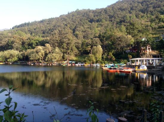 Naukuchiatal, India: Inverted mirror image-Naukuchiyatal Lake