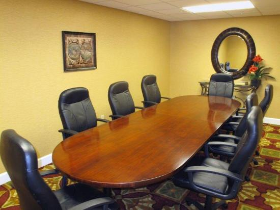 La Quinta Inn & Suites Mobile - Daphne: Meeting Room