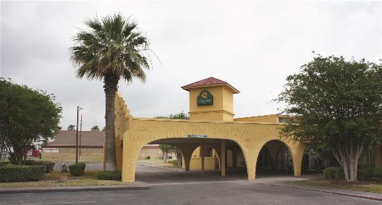 La Quinta Inn Del Rio : Exterior