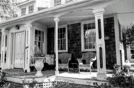 Γιάρμουθ Πορτ, Μασαχουσέτη: Edward Gorey House Porch