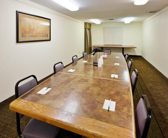 La Quinta Inn & Suites Redding: Meeting Room