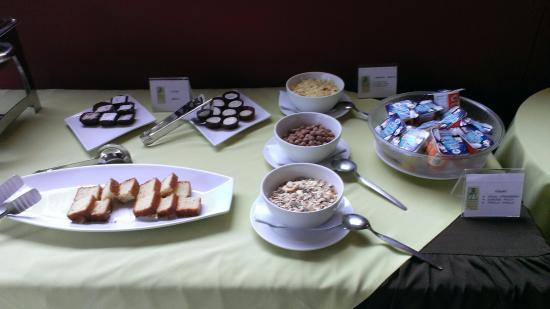 Roosevelt Hotel & Suites: Dining