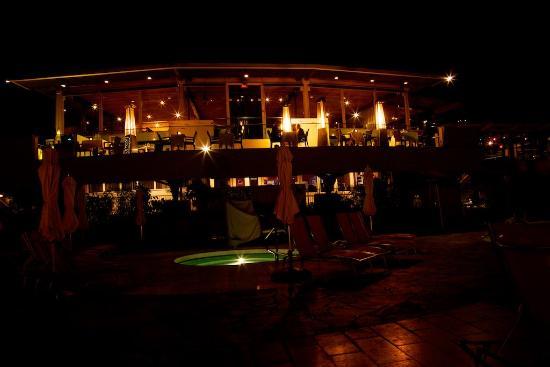 Sanctuary Camelback Mountain: Elements Restaurant at night at Sanctuary on Camelback Mountain