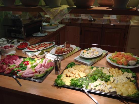 Nice Breakfast Selection Picture Of Hotel Alte Muenze Goslar