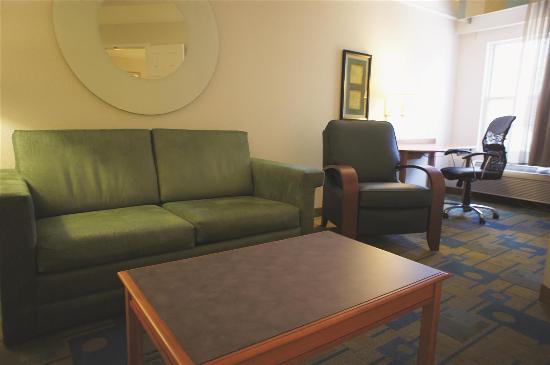 La Quinta Inn & Suites Flagstaff: Guest Room