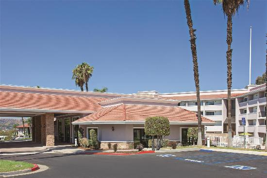 Photo of Diamond Bar Inn & Suites Pomona