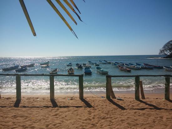 Acajutla, El Salvador: playa frente al hotel
