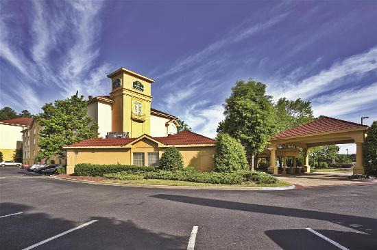 Photo of La Quinta Inn & Suites Birmingham Homewood