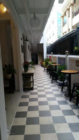 White Lion 2 Hotel : 20150506_163839_large.jpg