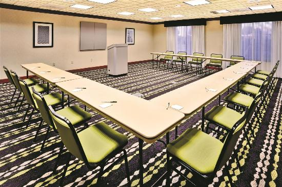 La Quinta Inn & Suites Coventry/Providence : Meeting room