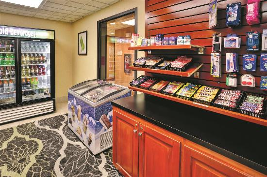 La Quinta Inn & Suites Coventry/Providence : Property amenity