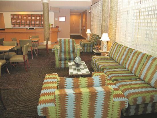 La Quinta Inn & Suites Tampa Brandon Regency Park: Lobby