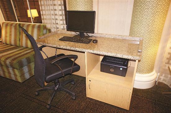 La Quinta Inn & Suites Tampa Brandon Regency Park: Business Center