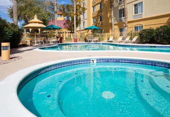 La Quinta Inn & Suites Phoenix West Peoria : Pool