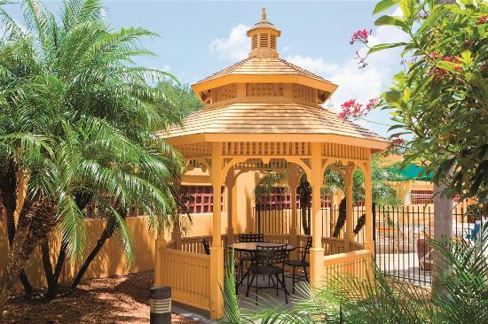 La Quinta Inn & Suites Lakeland West: Exterior