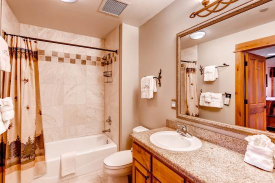 Canyon Creek Condominiums: Bathroom