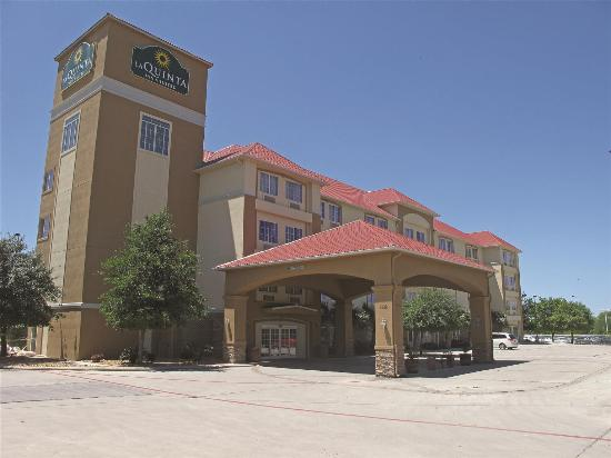 Photo of La Quinta Inn & Suites San Antonio Fiesta TX