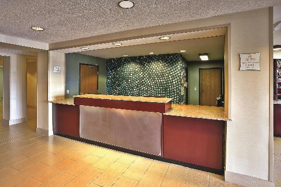 Frankfort, IN: Lobby view