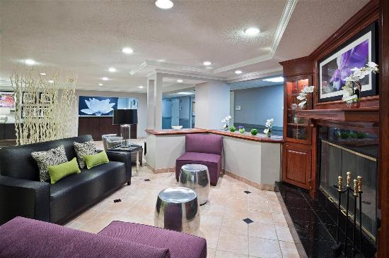 La Quinta Inn & Suites Cleveland Macedonia : Lobby