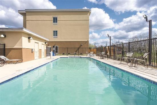 Gonzales, TX: Pool view