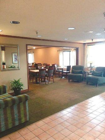 La Quinta Inn Detroit Southgate: Lobby